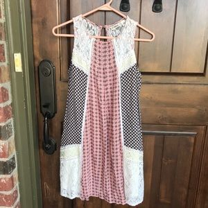 Dresses & Skirts - Lace-Detailed Dress